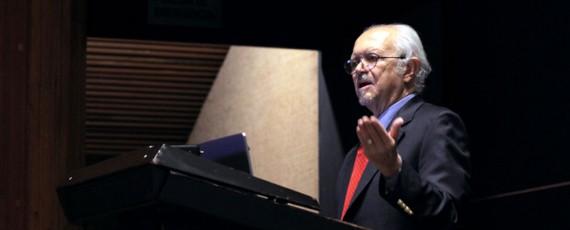 Se reúne el Nobel Mario Molina con estudiantes de la FQ