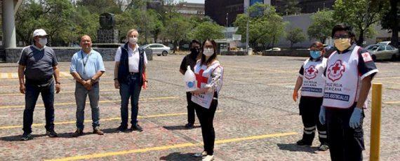 Dona la UNAM 100 galones de gel antiséptico a la Cruz Roja